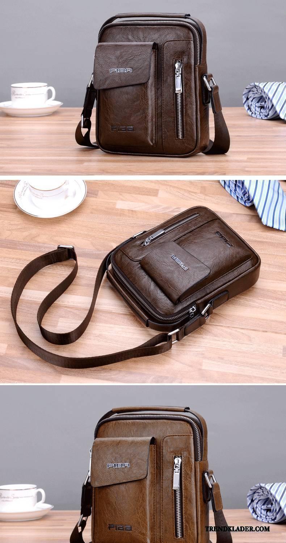 brun liten väska